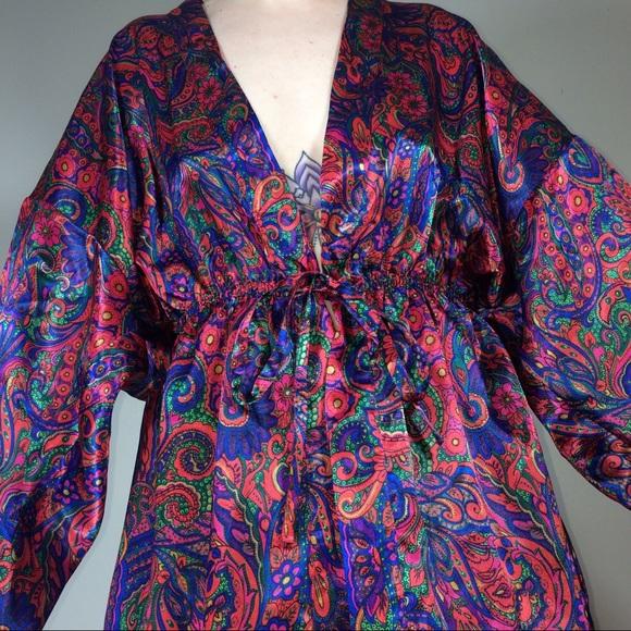 bd6582ed8cf17 Vintage Victoria's Secret Floral Robe NWT